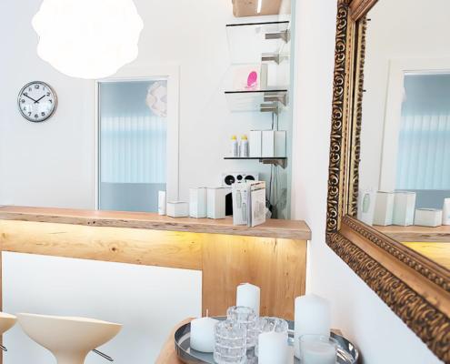 Foto Bar und Spiegel Kosmetik Nuance Neuhofen